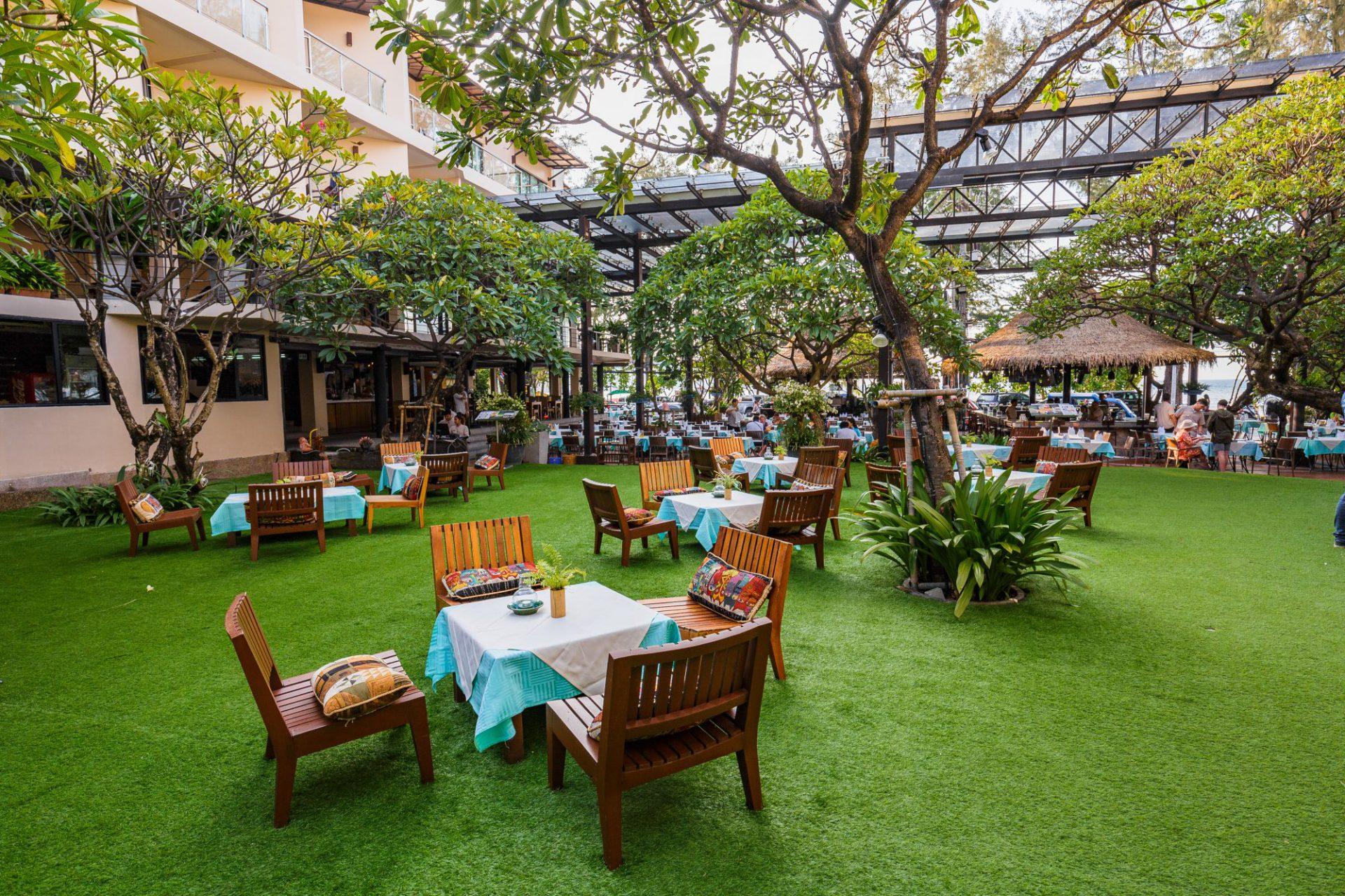 Restaurant and bar , Patong beach resort phuket